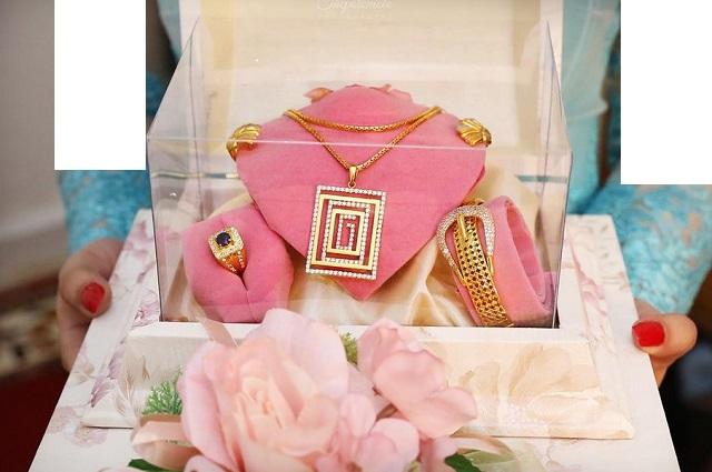 seserahan perhiasan